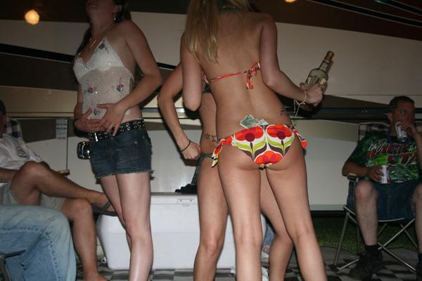 redneck girls gone wild